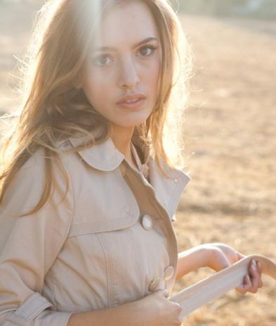 News & Spoilers de la saison 3 Lilly-roberson-pic_393x463
