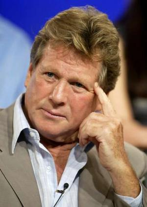 Ryan O'Neal to Play Teddy's Famous Father on 90210 - TV Fanatic