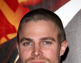 Stephen Amell Lands Leads Role on Arrow