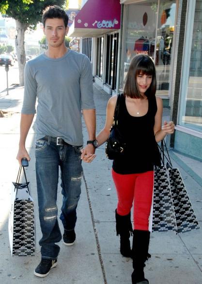 Dustin milligan dating 2011 10