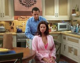 "Two and a Half Men Review: ""Give Me Your Thumb"""