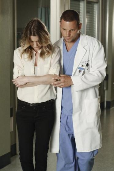 http://static.tvfanatic.com/images/gallery/alex-and-meredith-photo_372x556.jpg