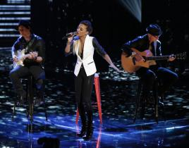 The Voice Top 10 Review: Cassadee-lightful