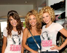 AnnaLynne McCord Pushes for Sisters, President on 90210