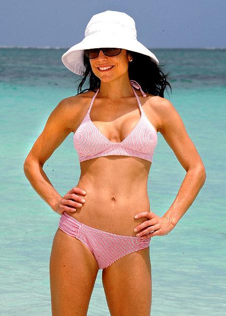 http://static.tvfanatic.com/images/gallery/bethenny-frankel-bikini.jpg
