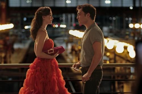 blair-and-chuck-in-paris_500x333.jpg