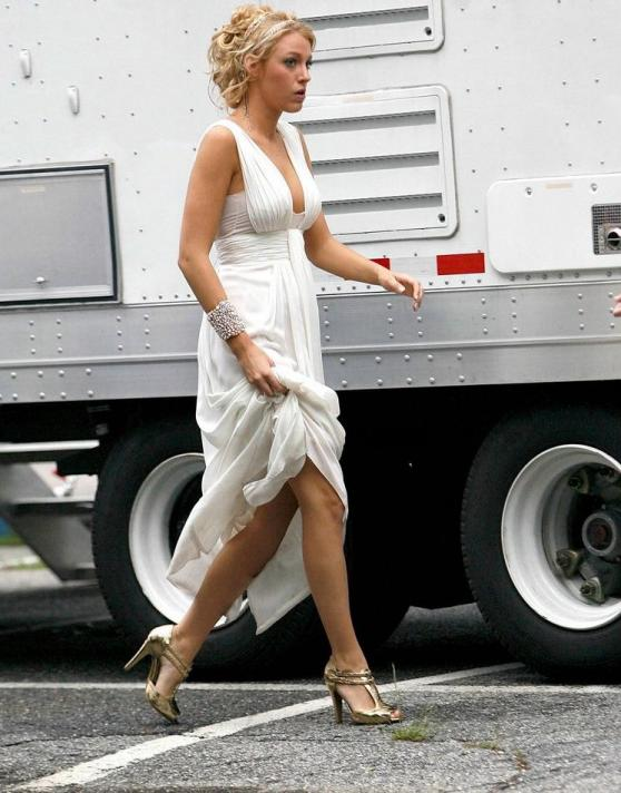 On the Gossip Girl set in the Hamptons, Long Island, star Blake Lively looks