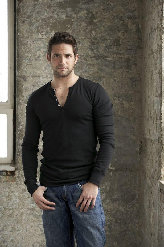http://www.tvfanatic.com/images/gallery/brandon-barash-pic.jpg