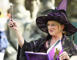Veronica Cartwright Dishes on Eastwick Character