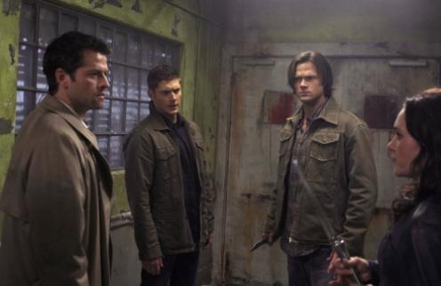 Supernatural Spoilers: The Returns of Meg, Death Caged-heat-scene_496x322