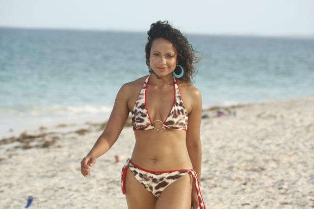 Gostosas - Página 5 Carla-on-the-beach