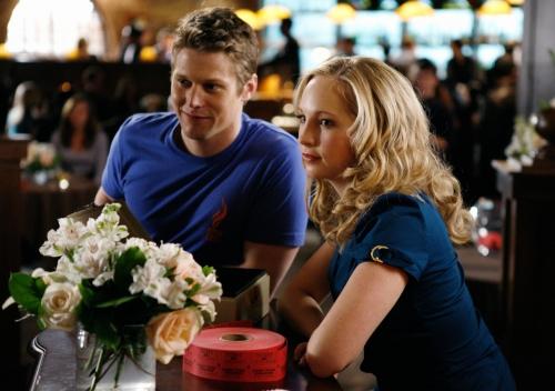 Damon E Elena, A História Começa.  Caroline-and-matt