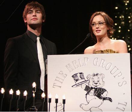 Chace Crawford (Nate) is the love interest of Leighton Meester (Blair) on