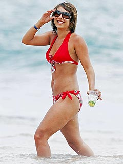 Cheryl Burke looks great in a bikini. The reality TV star can't stand those ...