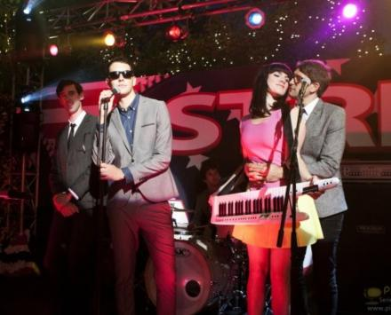 Cobra Starship on 90210