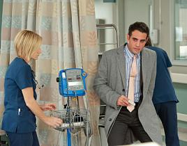 Nurse Jackie Review: Keep Calm and Carry On