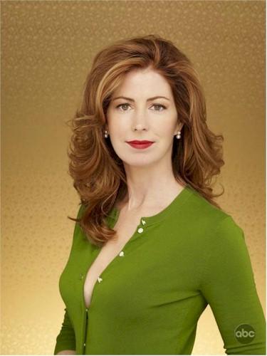 Dana Delany (Madame le Sénateur) Dana-delany-as-katherine-mayfair