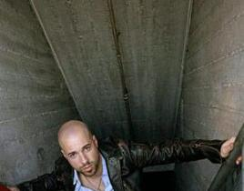 Milwaukee Newspaper Highlights Daughtry's Success