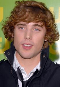Dustin Milligan Picture
