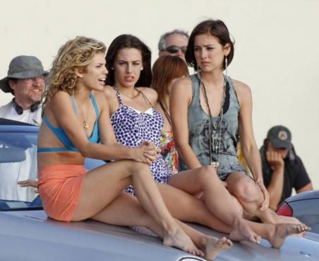 What do you think of Silver's new haircut? Gals of 90210