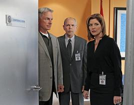 NCIS 'Short Fuse' Clip - Gibbs and Fornell Get Takeout