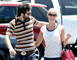 Katherine Heigl & Josh Kelley: In Love, House Hunting in Los Angeles