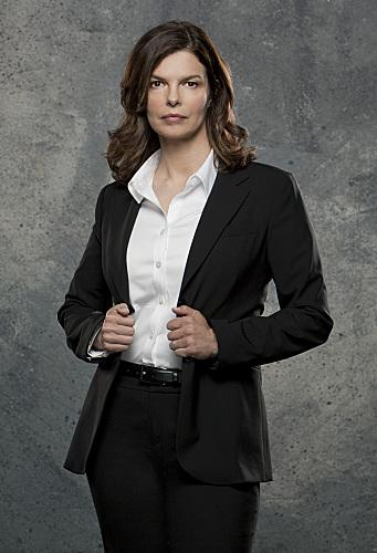 Jeanne Tripplehorn as Alex Blake