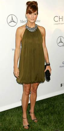 http://static.tvfanatic.com/images/gallery/kate-walsh-at-a-charity-event.jpg
