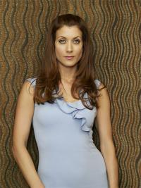 http://static.tvfanatic.com/images/gallery/kate-walsh-photograph_200x267.jpg