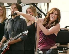American Idol Picture of the Day: Kelly Clarkson on Good Morning America