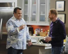 Modern Family Review: A Case of Jay Kissing