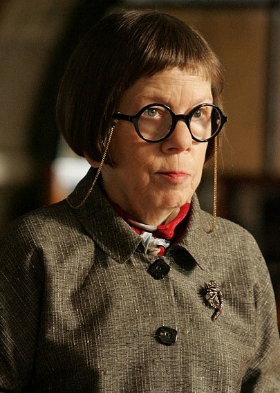 Linda Hunt - Photo Colection