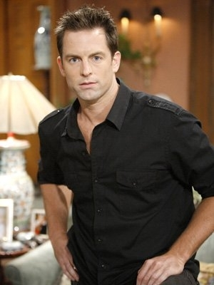 http://static.tvfanatic.com/images/gallery/michael-muhney-photo.jpg