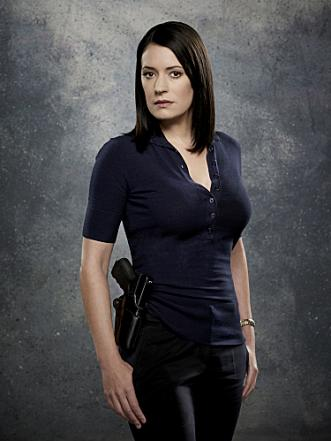 Paget Brewster to Guest Stars on Law & Order: SVU Premiere - TV
