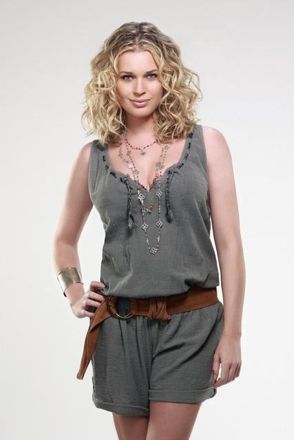 Rebecca Romijn as Roxie Torcoletti