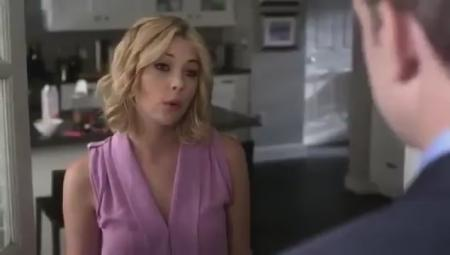 Pretty Little Liars Clip: Why Do You Look So Scared?